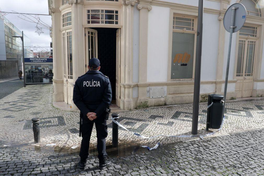 Homem dispara tiros contra entrada de discoteca na Figueira da Foz
