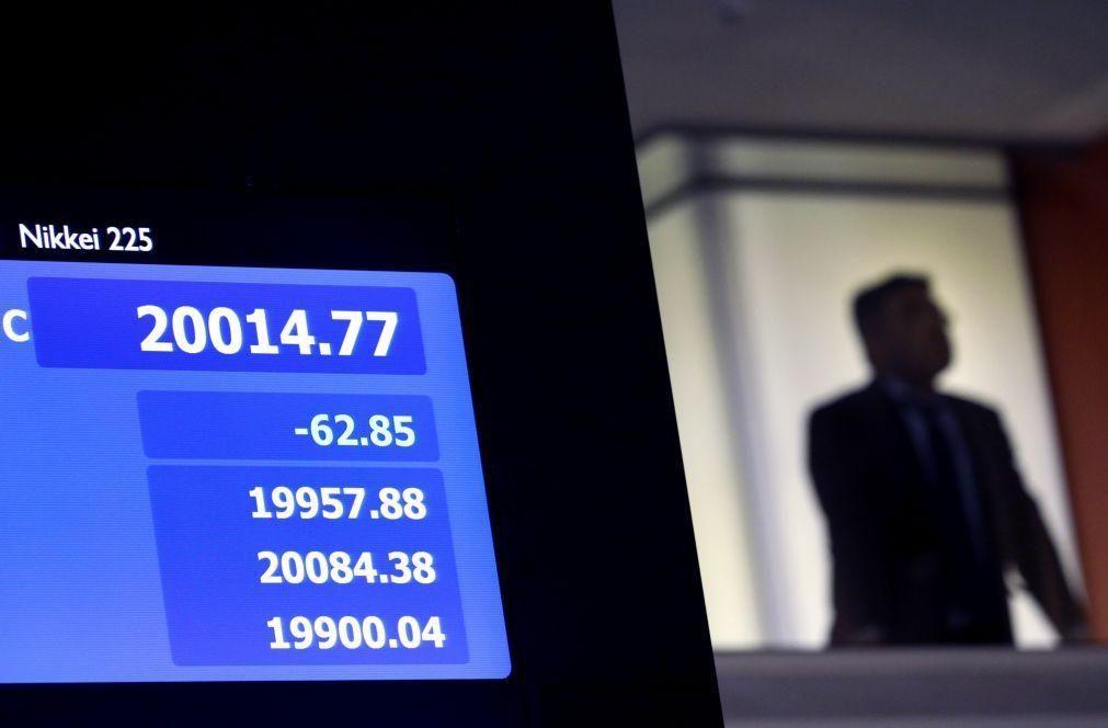 Bolsa de Tóquio abre a perder 1,10%