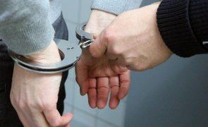 Mediador imobiliário detido por burlas de 400 mil euros