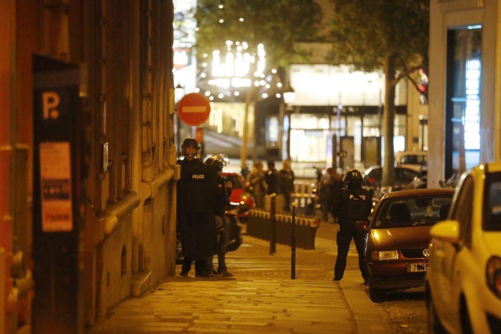 Autor de ataque em Paris identificado como extremista