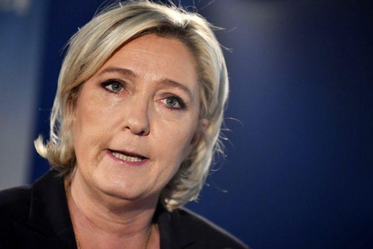 Candidata da extrema-direita pede restabelecimento das fronteiras após atentado em Paris