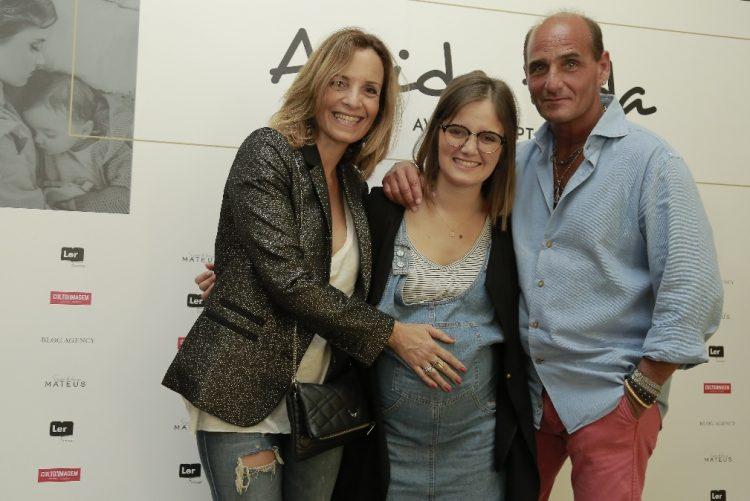 Carolina Deslandes lança blogue em dia especial para o pai