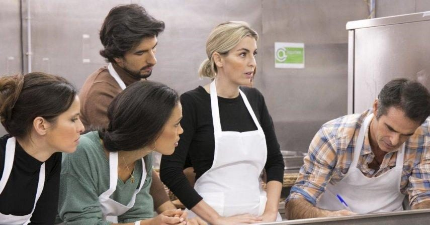 Ljubomir Stanisic põe famosos a cozinhar Cortes, lesões e «nódoas» na cozinha