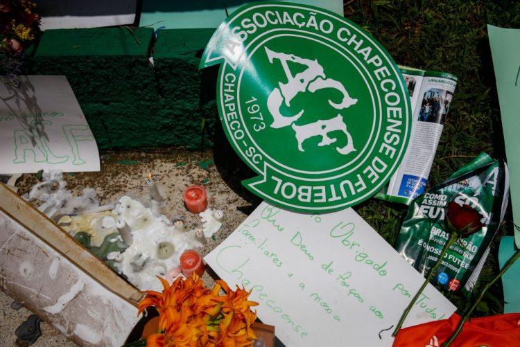 Acidente/Colômbia: Vitória de Guimarães usa símbolo da Chapecoense frente ao Chaves