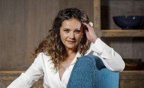 Helena Laureano recorda violência doméstica.