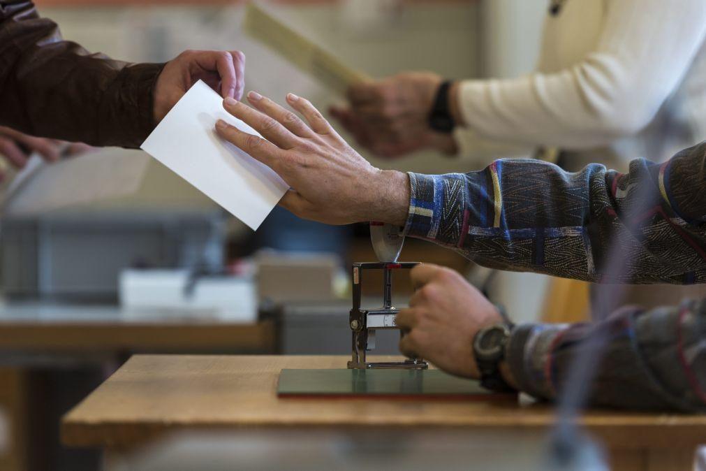 Suíça vota a 17 de maio proposta para pôr fim à livre circulação com UE