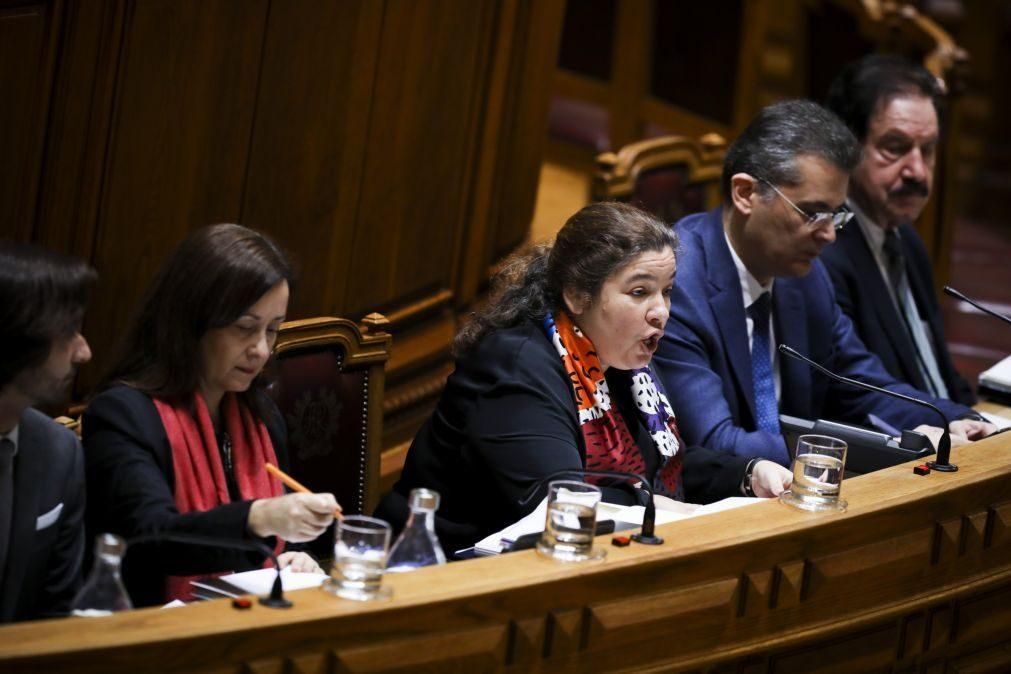 Ministra garante que há margem para elevar proposta de aumentos salariais