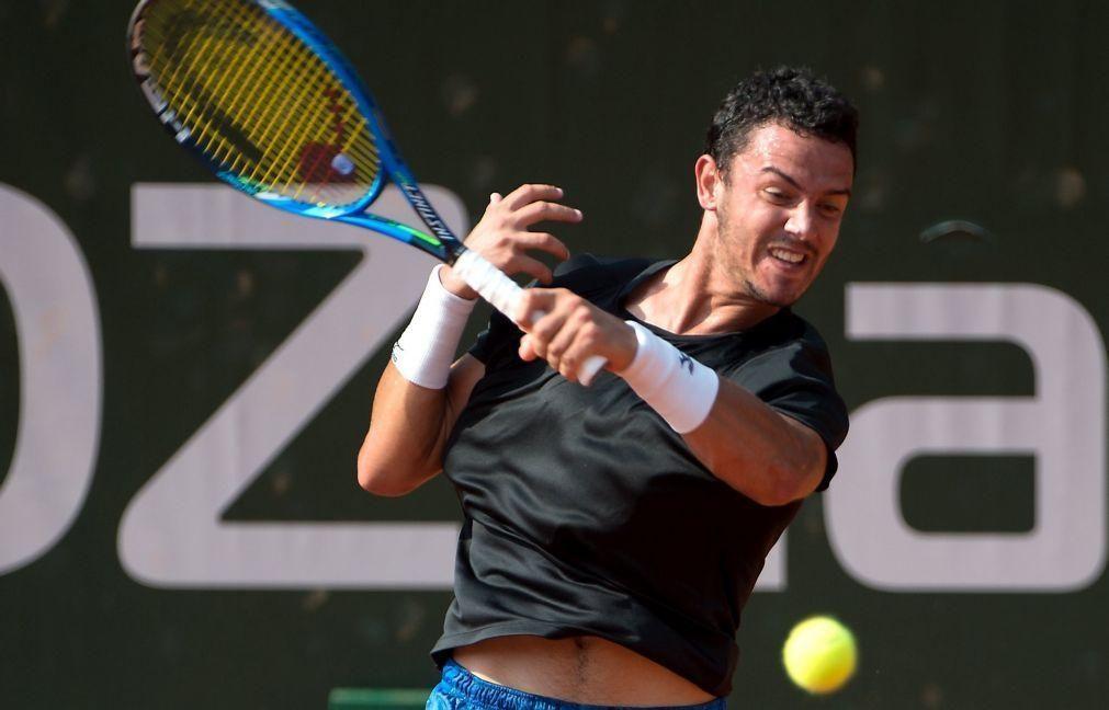 Tenista Gonçalo Oliveira desiste na primeira ronda de 'challenger' de Banguecoque