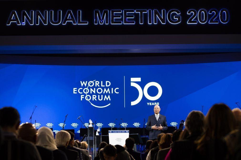 Fórum económico de Davos começa hoje e deverá contar com 50 dirigentes políticos