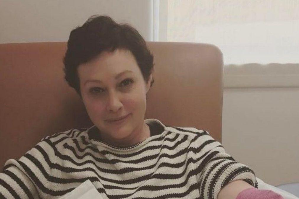 Shannen Doherty luta contra um cancro em estado avançado. É o terceiro