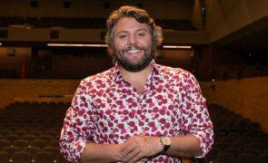 César Mourão abdica de cachet em espetáculo para dividir por músicos e técnicos