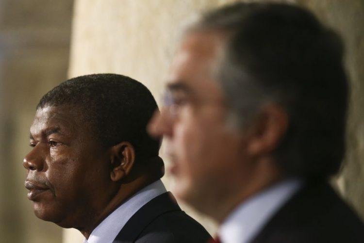 Angola/MPLA: José Eduardo dos Santos indica João Lourenço para candidato a PR - rádio