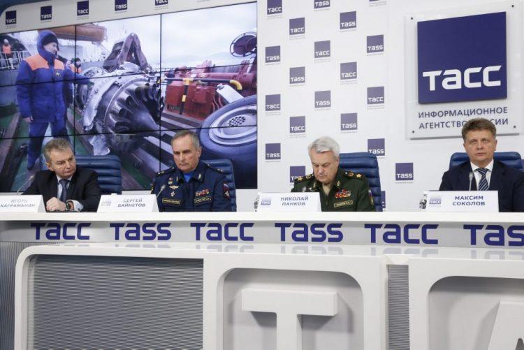 Caixa negra do avião russo que caiu no Mar Negro mostra que não houve explosão