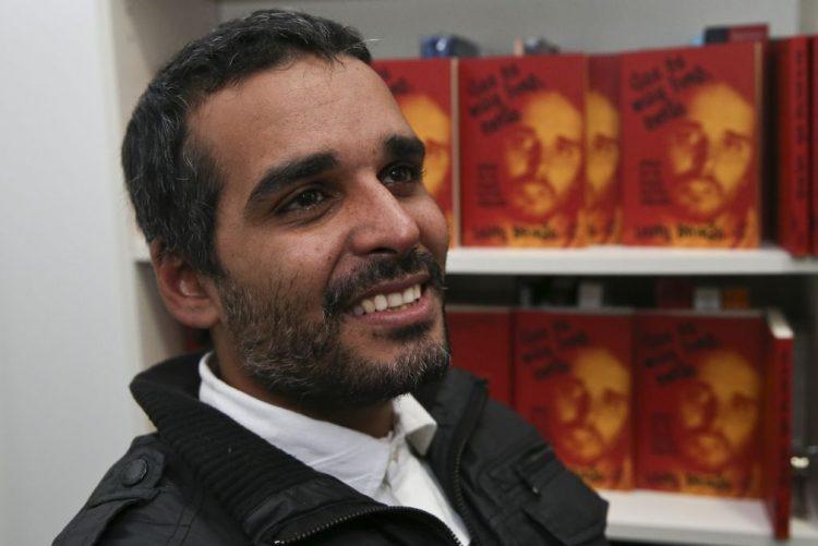 Angola/MPLA: Saída é uma boa notícia e país precisa de novas caras - Luaty Beirão