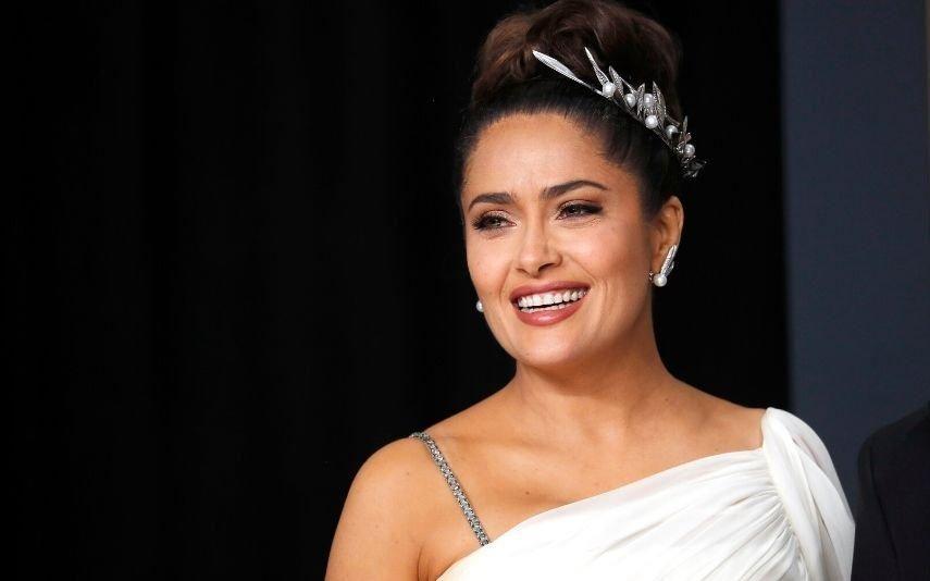 Salma Hayek acaba noite de Óscares no hospital