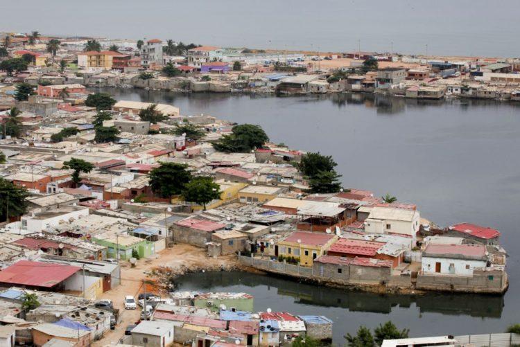 Musseques de Luanda preparam festas de rua para passagem de ano