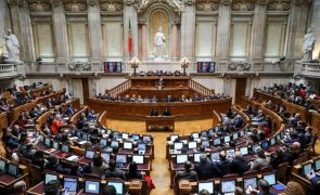 Covid-19: Parlamento autoriza renovação do estado de emergência com maioria alargada