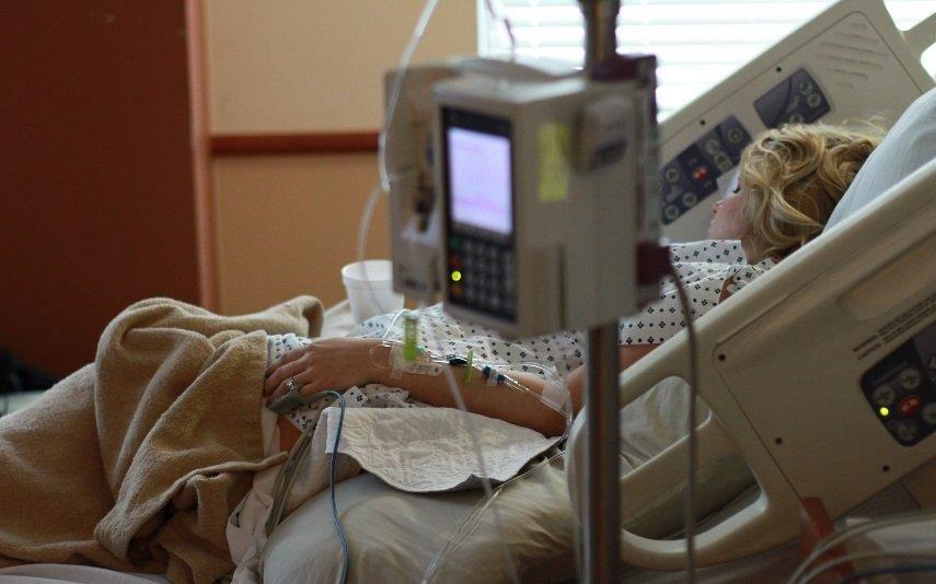 Testemunho de enfermeira sobre a eutanásia torna-se viral