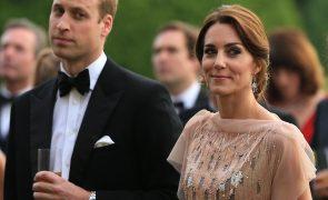 Fotos de Kate Middleton em topless voltam a dar polémica