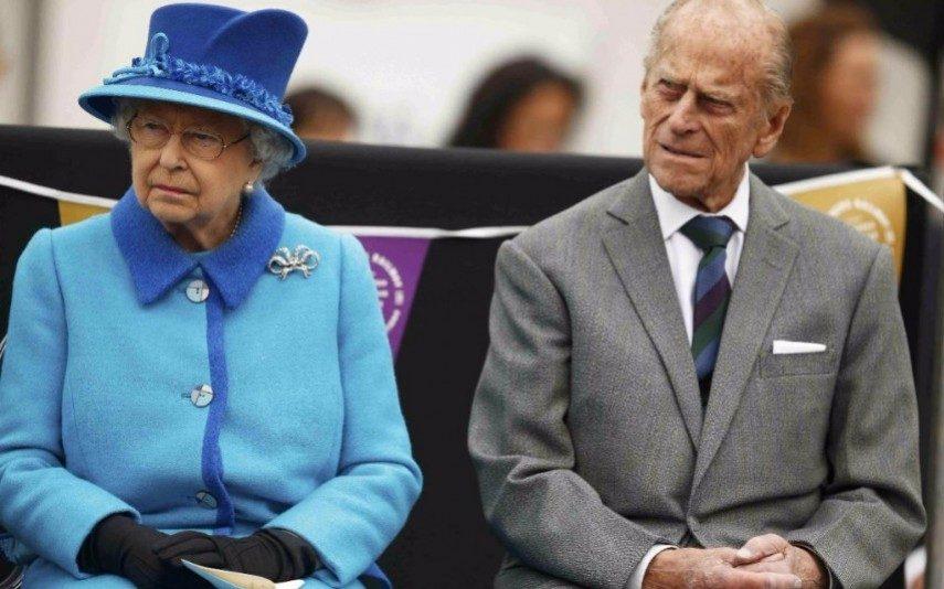 príncipe Philip Marido da rainha Isabel II deixa funções reais