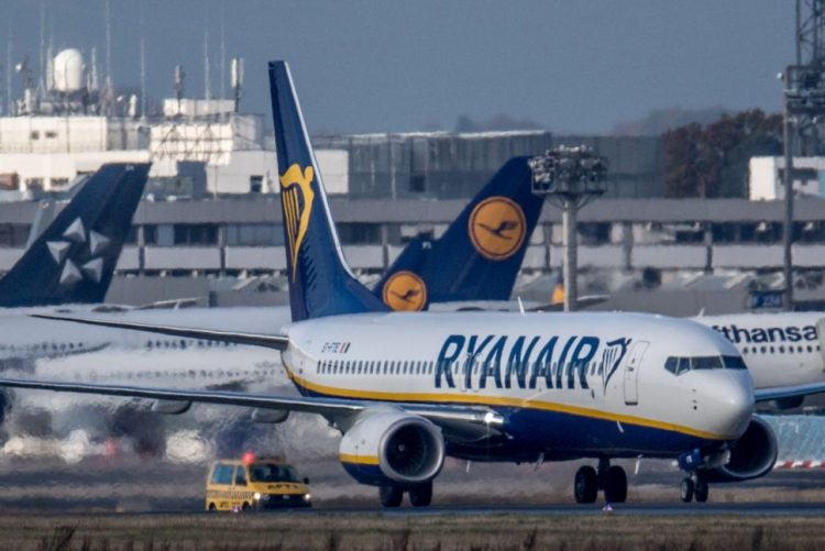 Ryanair iniciou hoje operação para a ilha Terceira com voo praticamente cheio