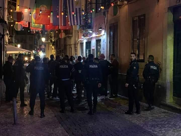 PSP encontra sete estabelecimentos no Bairro Alto a violarem o estado de emergência