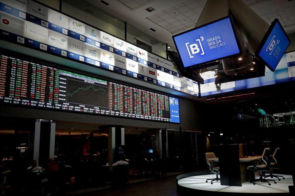 Covid-19: Bolsa de Valores do Brasil em alta de 3,7% após perdas da véspera