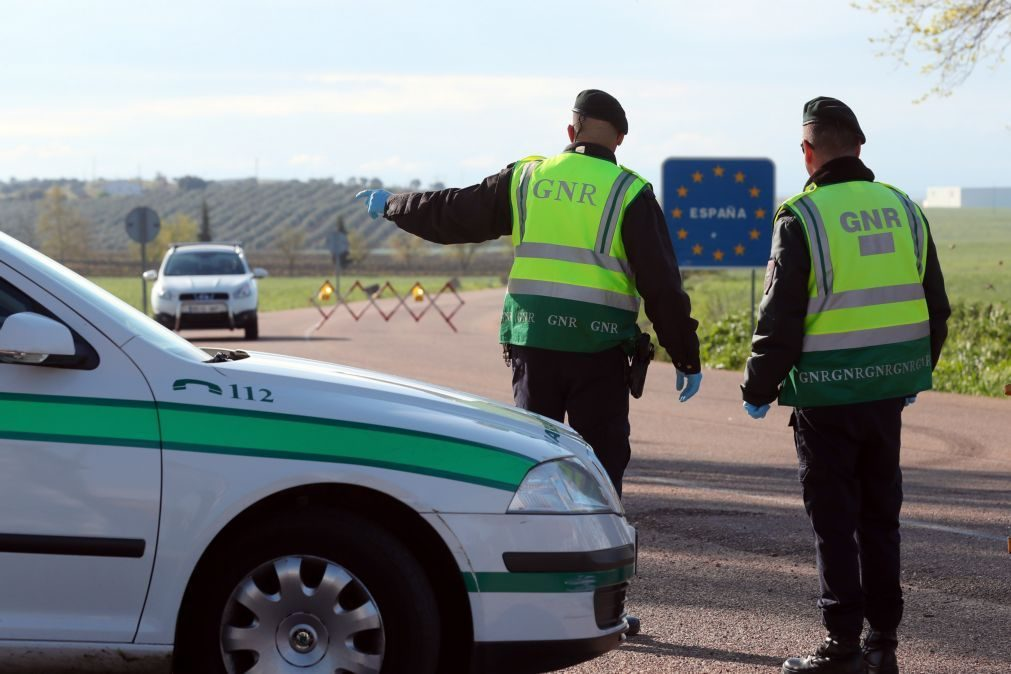 Covid-19: Portugal entre 10 Estados-membros que notificaram UE da reintrodução de controlos fronteiriços