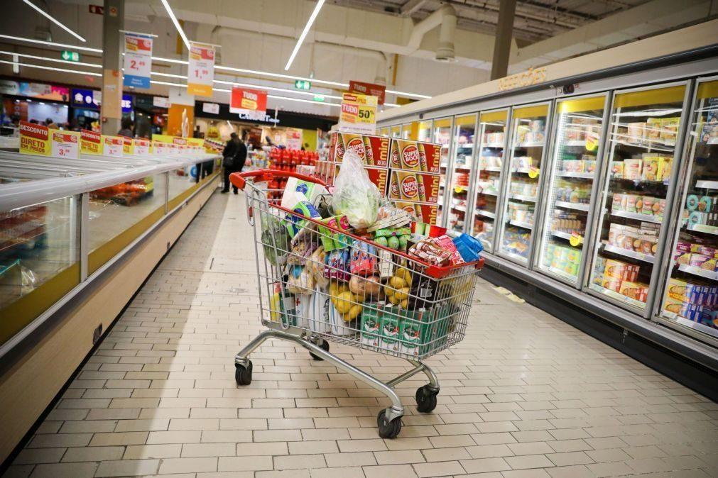 Funcionária de supermercado com Covid-19 obriga a encerramento para desinfecção