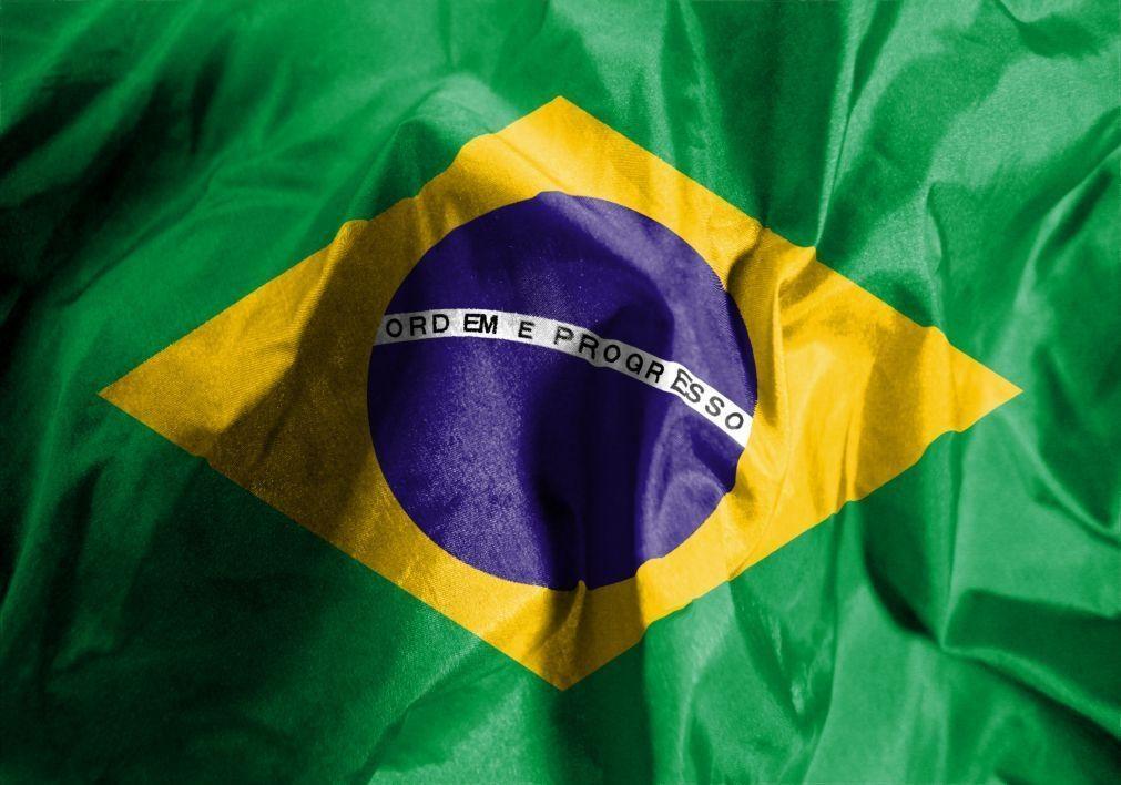 Pelo menos 11 mortos e 17 feridos em acidente com autocarro no Brasil