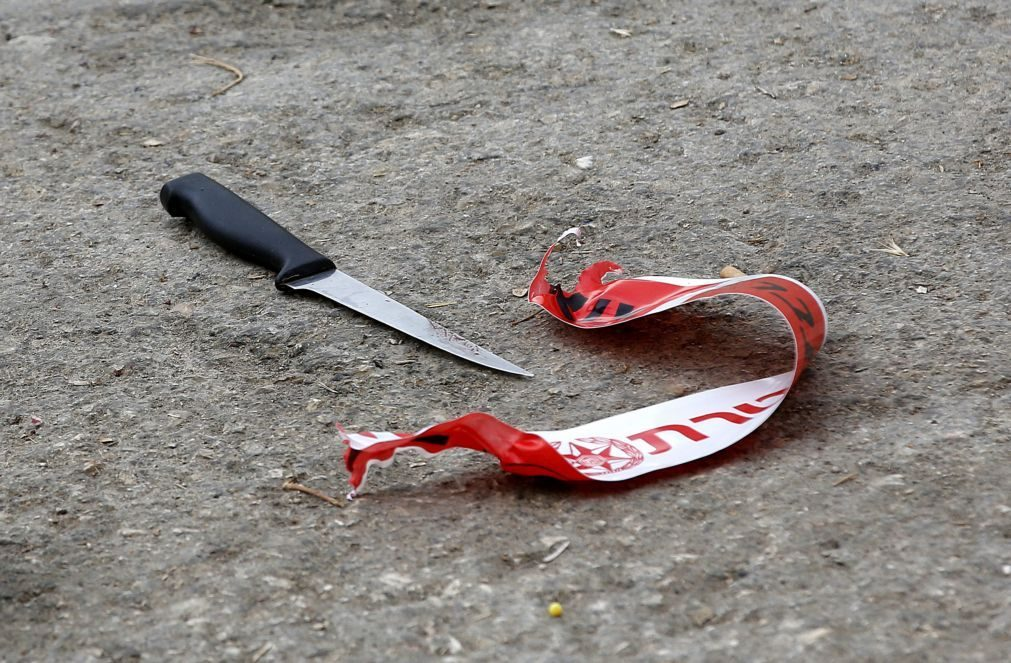 Homem detido em Almada depois de perseguir ex-companheira na rua com faca