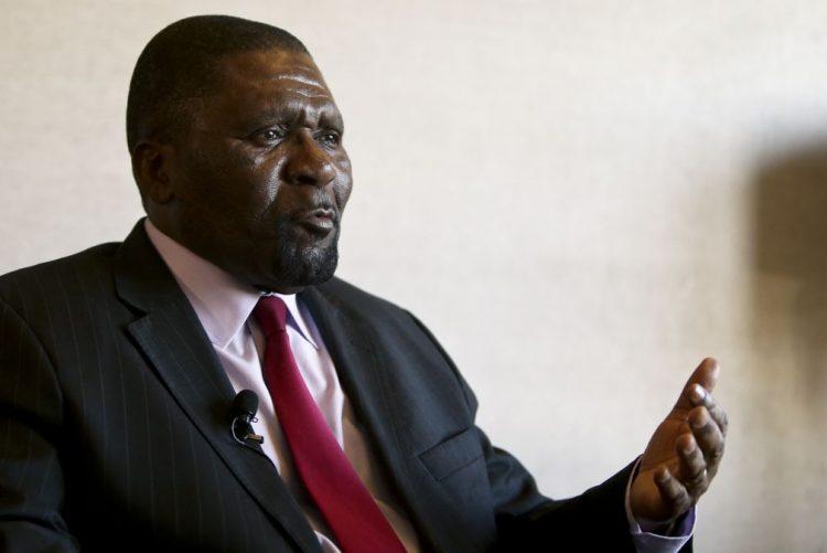 Samakuva diz que julgamento de atentado contra PR angolano é montagem contra UNITA