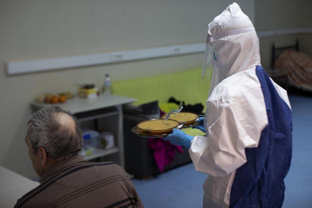 Covid-19: Voluntários ajudam família infetada em Vila Pouca de Aguiar