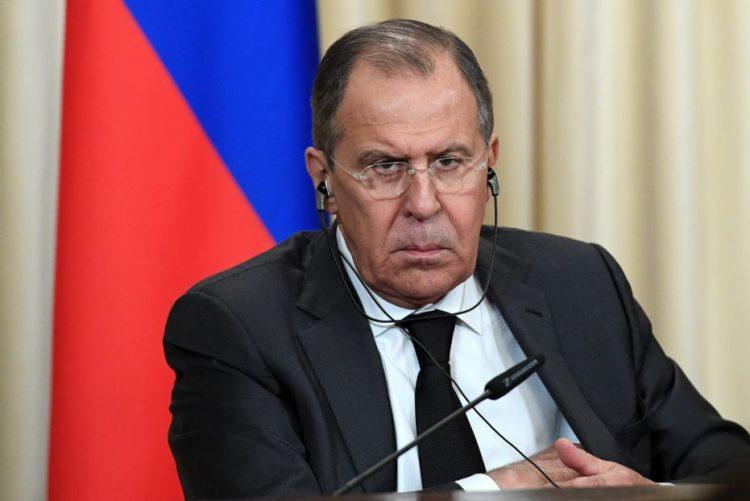 Rússia vai expulsar 35 diplomatas norte-americanos em resposta a sanções dos EUA