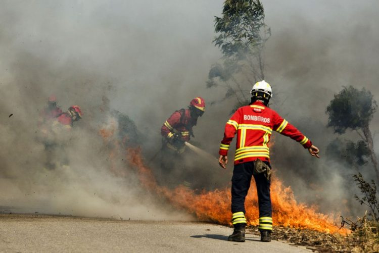 MAI regulariza com bombeiros as despesas do combate aos incêndios de 2016