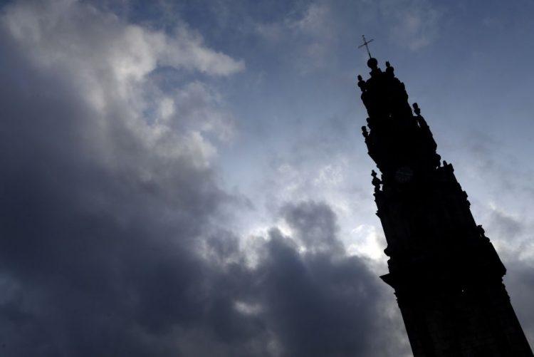 Torre e Igreja dos Clérigos registam