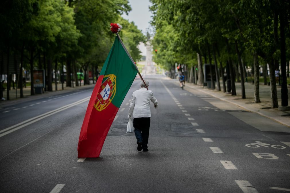 25 Abril: Pessoas sentem mágoa por não haver marcha na Avenida de Liberdade em Lisboa