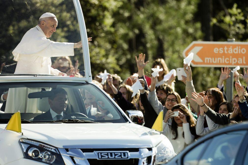 Papa Francisco está no Santuário de Fátima