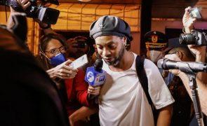 Mãe de Ronaldinho Gaúcho morre após ser internada com covid-19