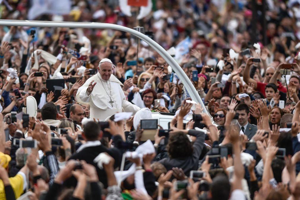 Papa Francisco abandona Santuário de Fátima às 13:17