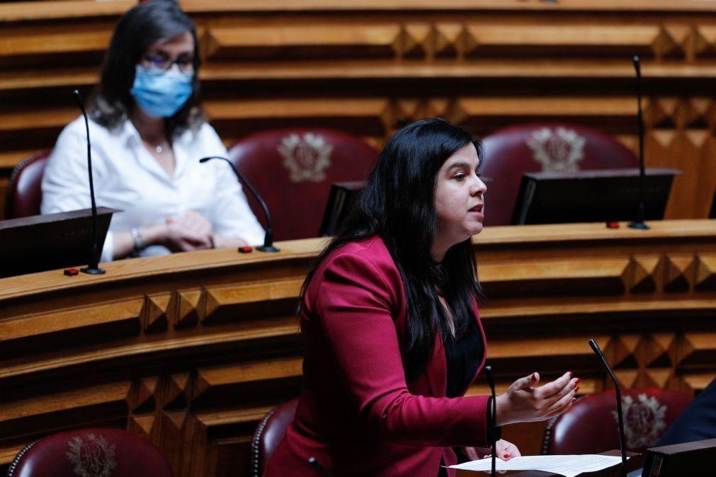 Covid-19: AR aprova diplomas de PSD, Verdes e PAN para alargar ...
