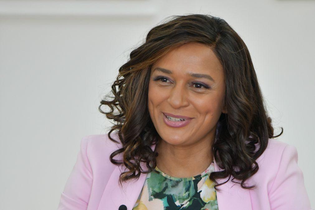 Isabel dos Santos alega que lhe arrestaram bens com base em passaporte falso assinado por Bruce Lee