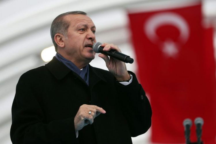 Ataque em Istambul pretende criar o caos na Turquia - PR