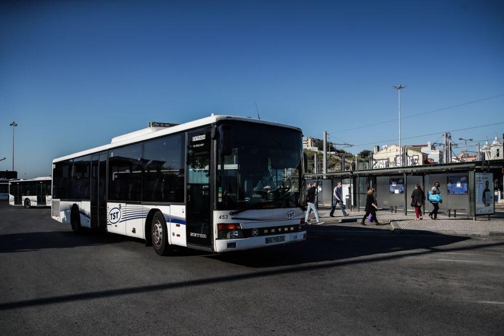 TST em Almada com poucos passageiros e