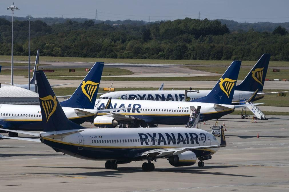 Sindicato acusa Ryanair de ameaçar cortes salariais e despedimentos