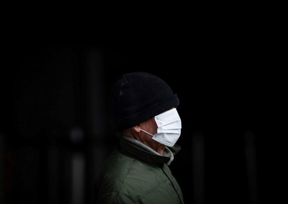 Obrigaram-no a pagar máscara numa clínica privada? Reclame, aconselha a DECO