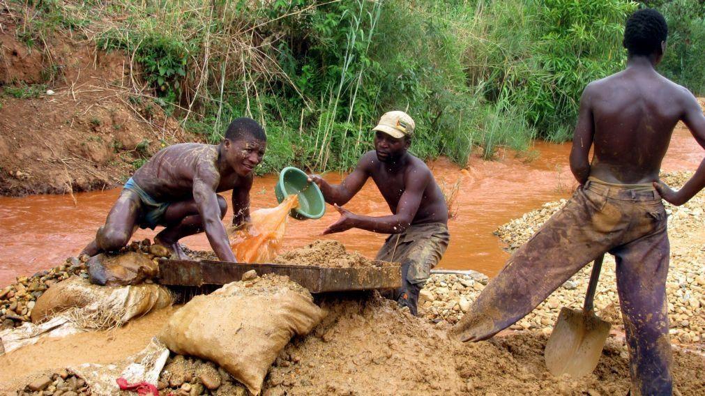 Governo moçambicano vai realizar primeiro censo de mineração artesanal