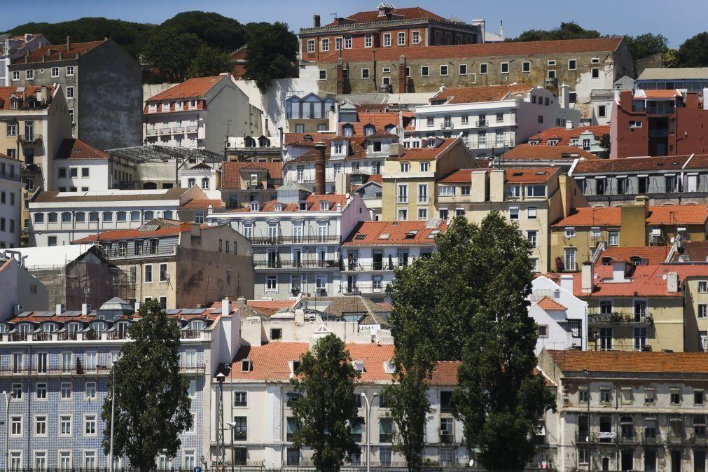 Covid-19: Vendas de alojamentos em Lisboa e no Algarve cederam 2,1% e 0,9% em março