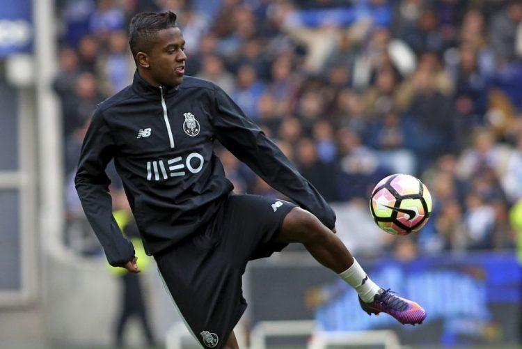 Cerca de 28.000 adeptos apoiaram o FC Porto no primeiro treino do ano