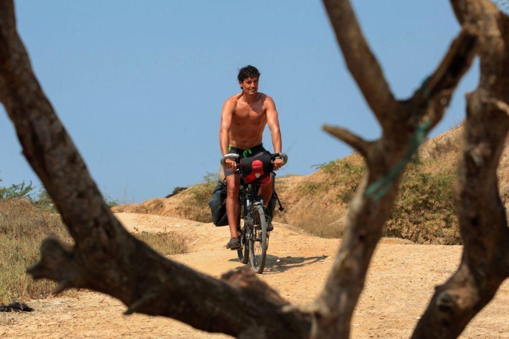 Covid-19: Ruben pedalou 26.000 quilómetros e ficou de quarentena num paraíso angolano